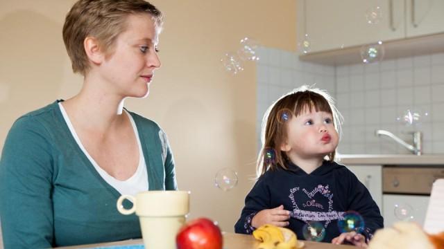 Mutter und Kind im Julie Postel Haus